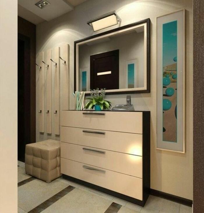 41-couloire-un-miroir-un-tabouret-et-quelques-placards-beiges