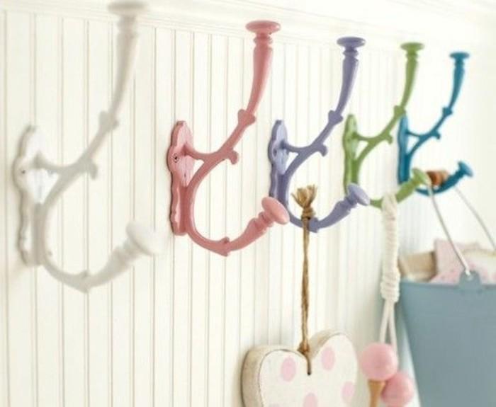 43-meuble-vestiaire-entree-des-crochets-multicolores