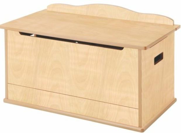 46-meuble-chaussure-un-placard-de-plancher-beige-sur-un-fond-blanc