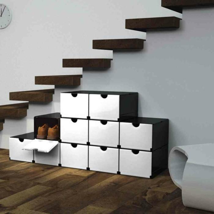 50-placard-a-chaussure-un-escalier-un-mur-blanc