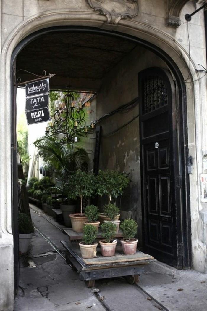 51-decoration-couloir-des-pots-de-fleurs