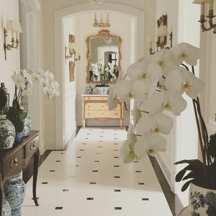 59-couloir-deco-le-plancher-est-en-marbre