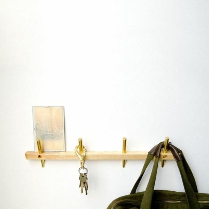 59-porte-manteau-couloir-un-sac-vert-des-cles