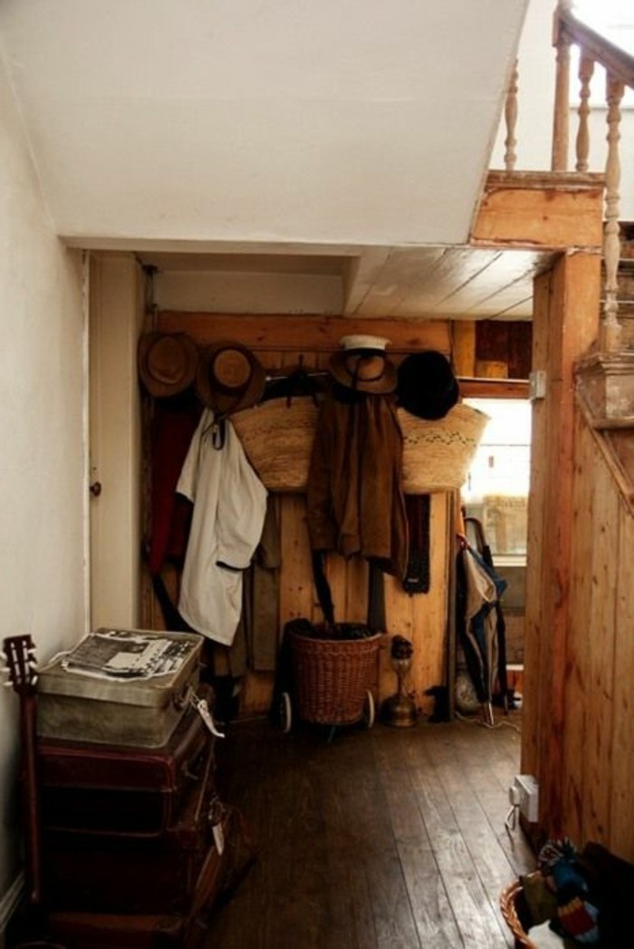 60-porte-manteau-ikea-une-valise