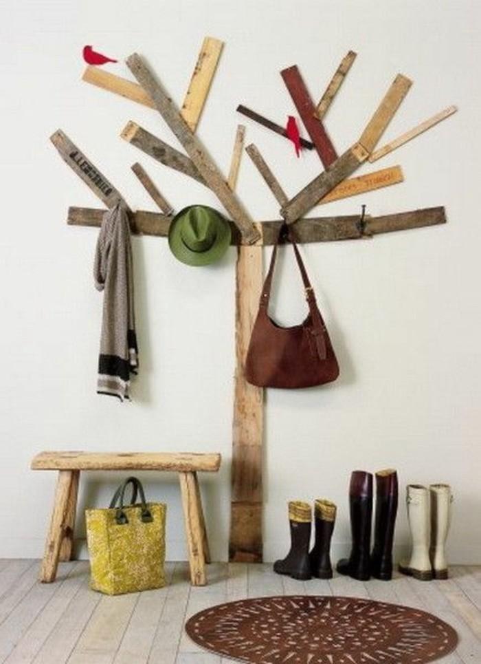 63-porte-manteau-couloir-sous-la-forme-dun-arbre-un-sac-des-paires-de-chaussures