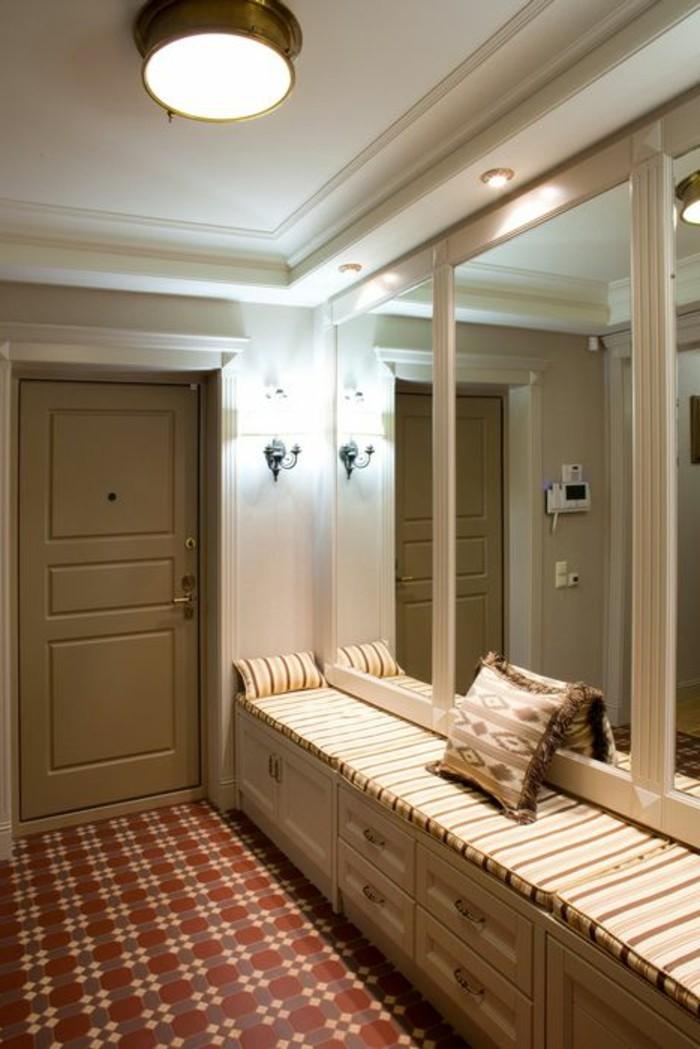 D corer un couloir plus de 70 id es en photos pour vous for Deco grand miroir