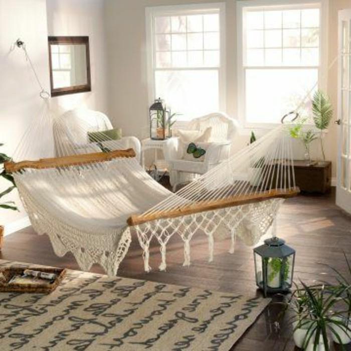 hamac-interieur-murs-blancs