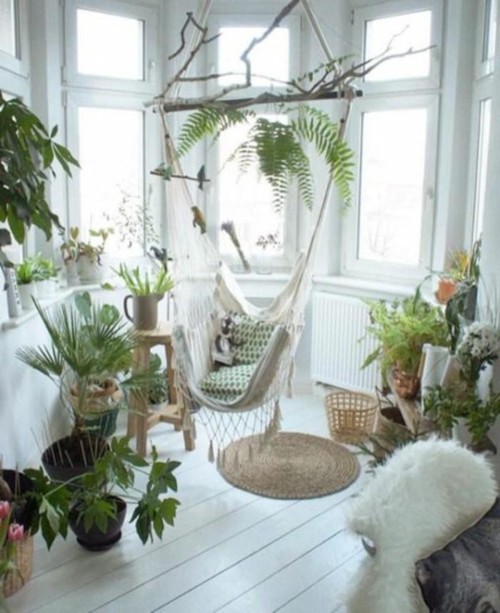 hamac-siege-des-pots-avec-des-plantes-vertes