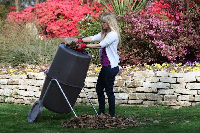 spin-bin-composteur-de-jardin-design-moderne-a-roulettes