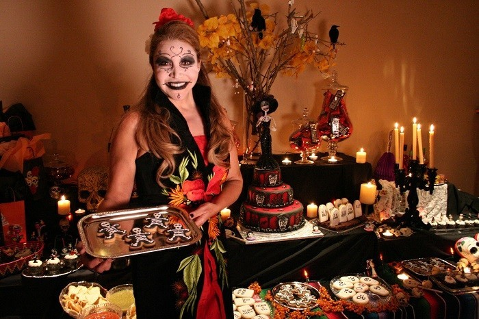 admirable-idee-organiser-soiree-halloween-belle-fille-table-deco