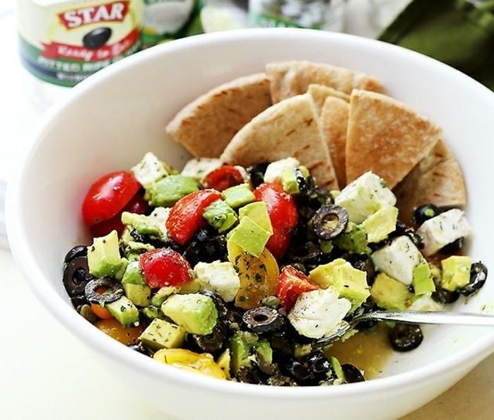 admirable-recettes-rapides-saines-recettes-avocat-feta-olives