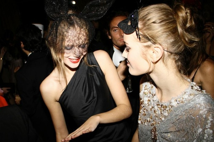bal-masque-masque-venitien-homme-femme-idee-party-cool-image