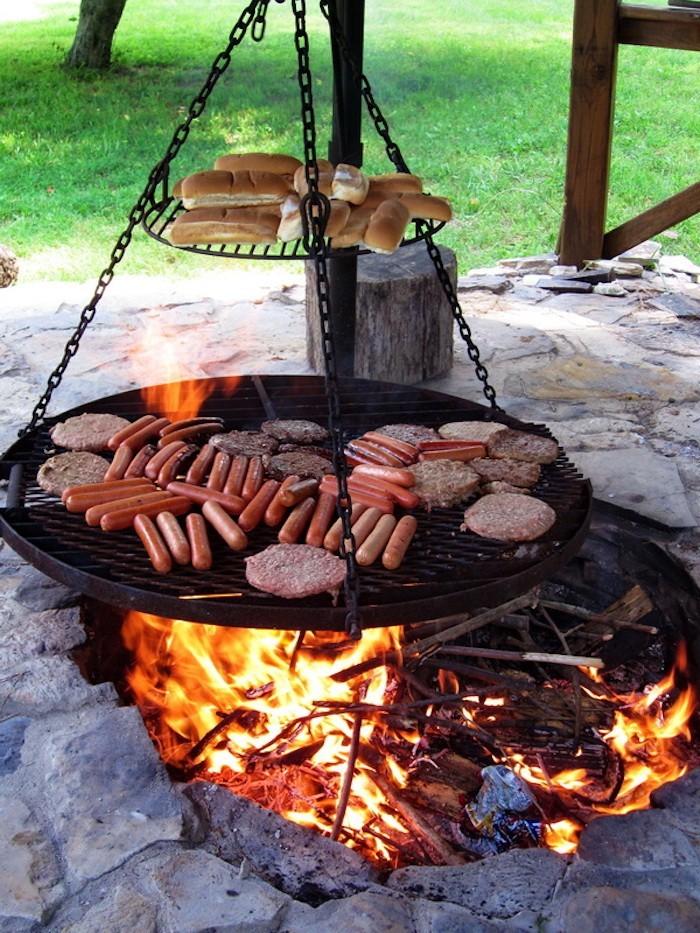 barbecue-vertical-suspendu