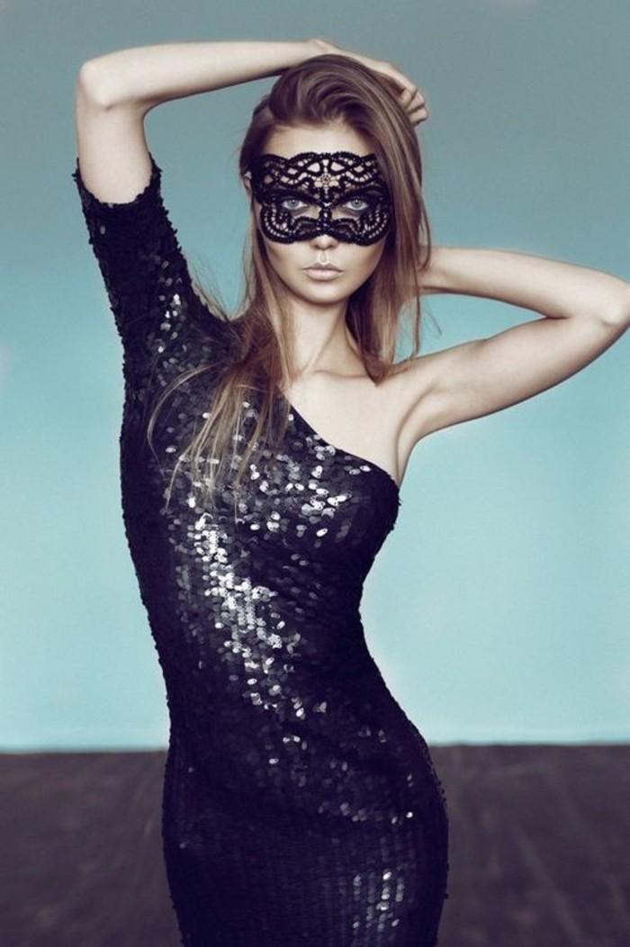 belle-femme-bal-masque-masque-venitien-homme-femme-idee-cool-robe-paillettes