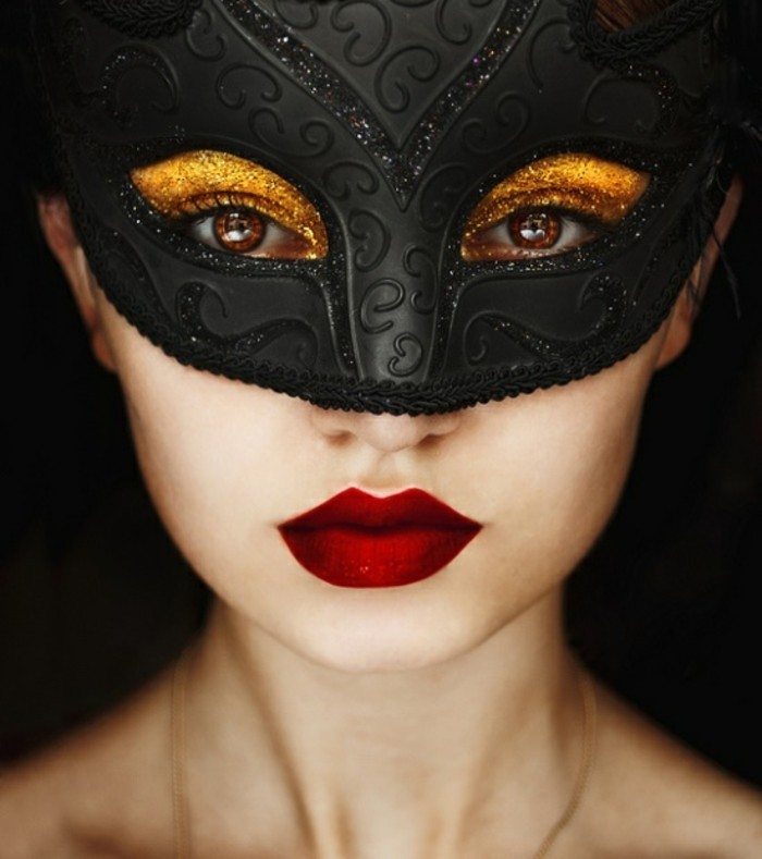 belle-femme-masque-deguisement-costumes-carnaval
