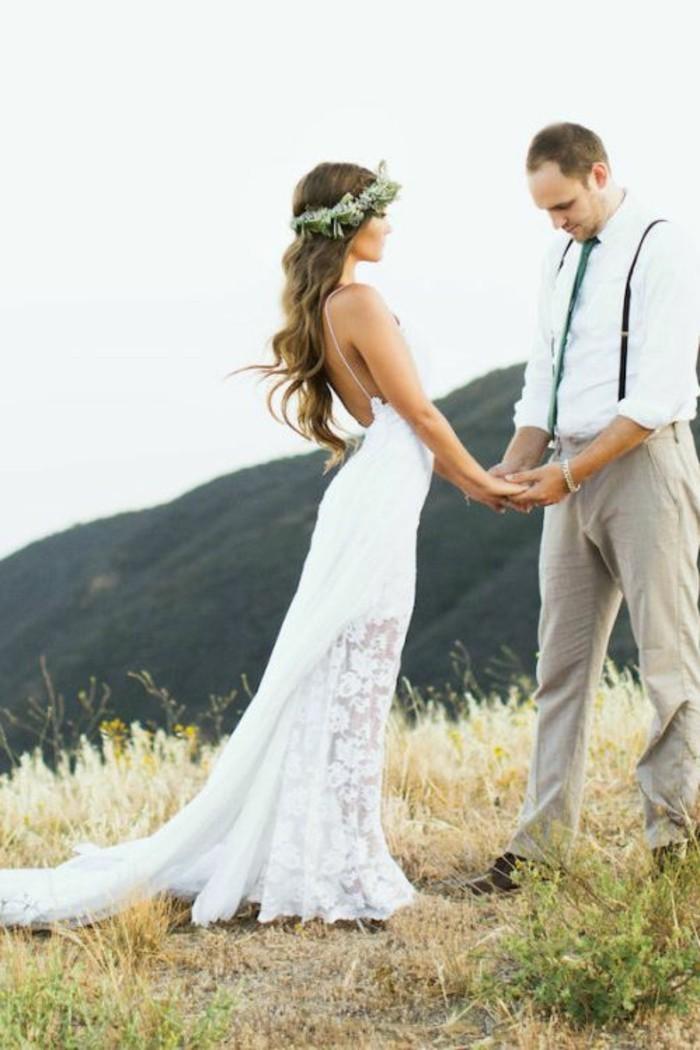 ... combinaison de robe, couronne de fleurs et bouquet de mariée