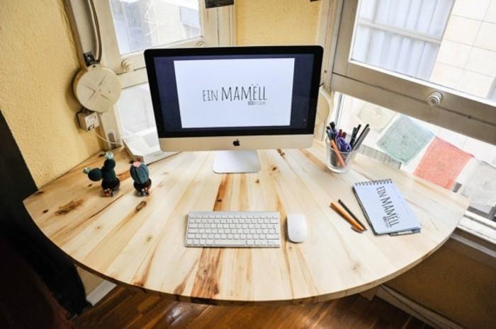 bureau-d-angle-fabrique-a-partir-de-palettes-idee-pour-un-meuble-en-palette-original