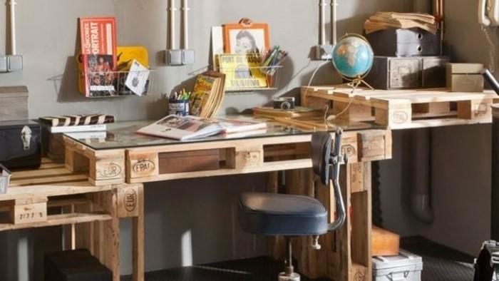 bureau-en-palette-design-extraordinaire-magnifique-suggestion-pour-les-esprits-artistiques