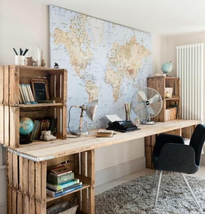 bureau-en-palette-geant-avec-plusieurs-espaces-de-rangement-ambiance-paisible-bureau-style-scandinave