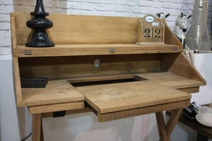 bureau-en-palette-vintage-idee-magnifique-pour-fabriquer-un-meuble-en-palette-soi-meme