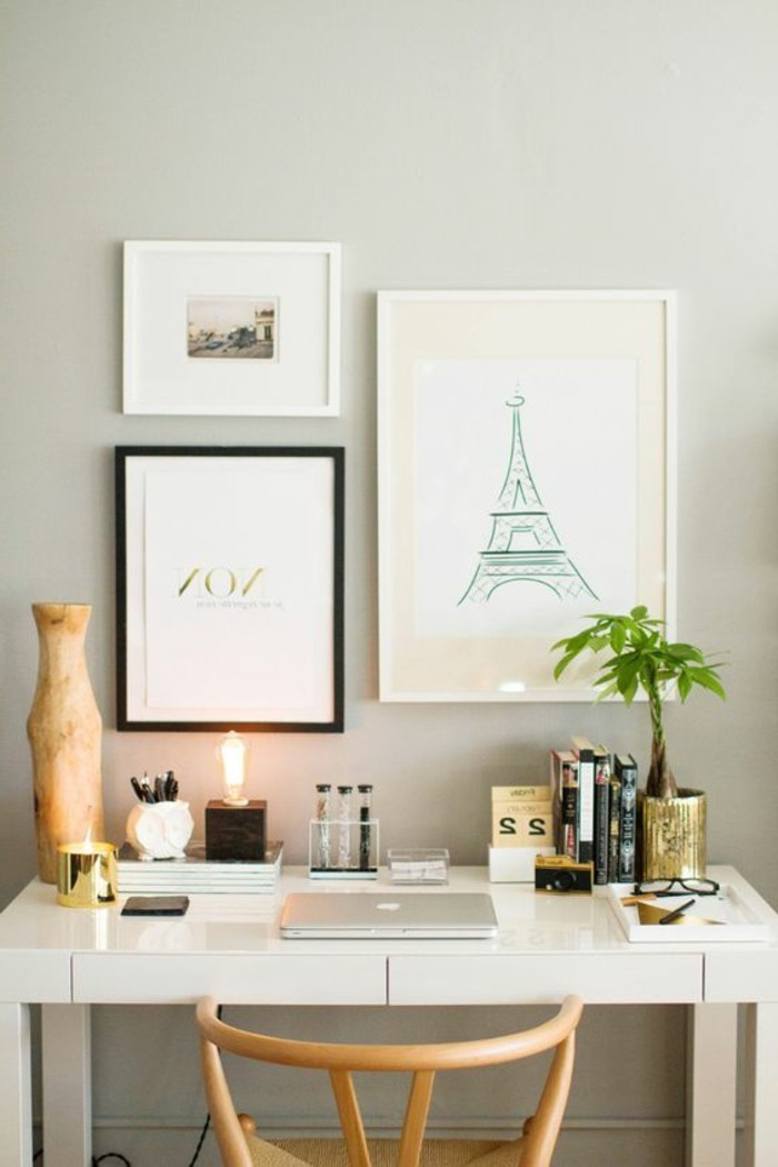 bureau-laque-blanc-decoration-murale-et-chaise-en-bois