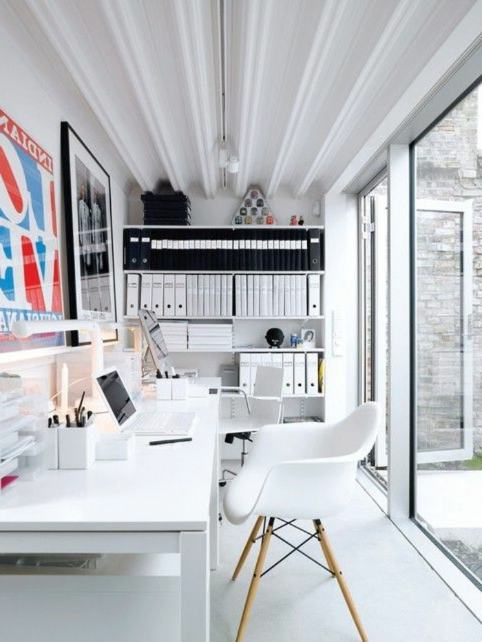 bureau-laque-blanc-idee-originale-pour-loffice-a-la-maison