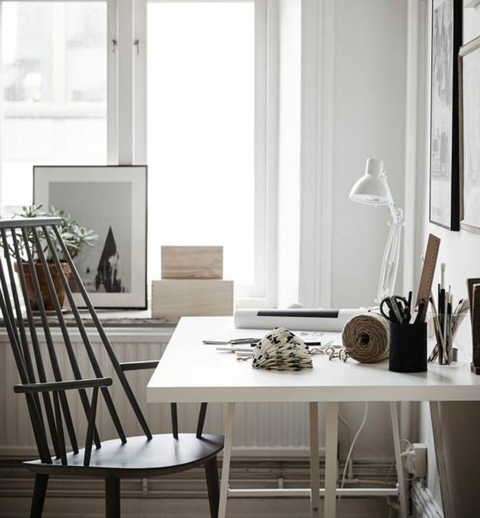 bureau-laque-blanc-interieur-monochrome-coin-de-travail