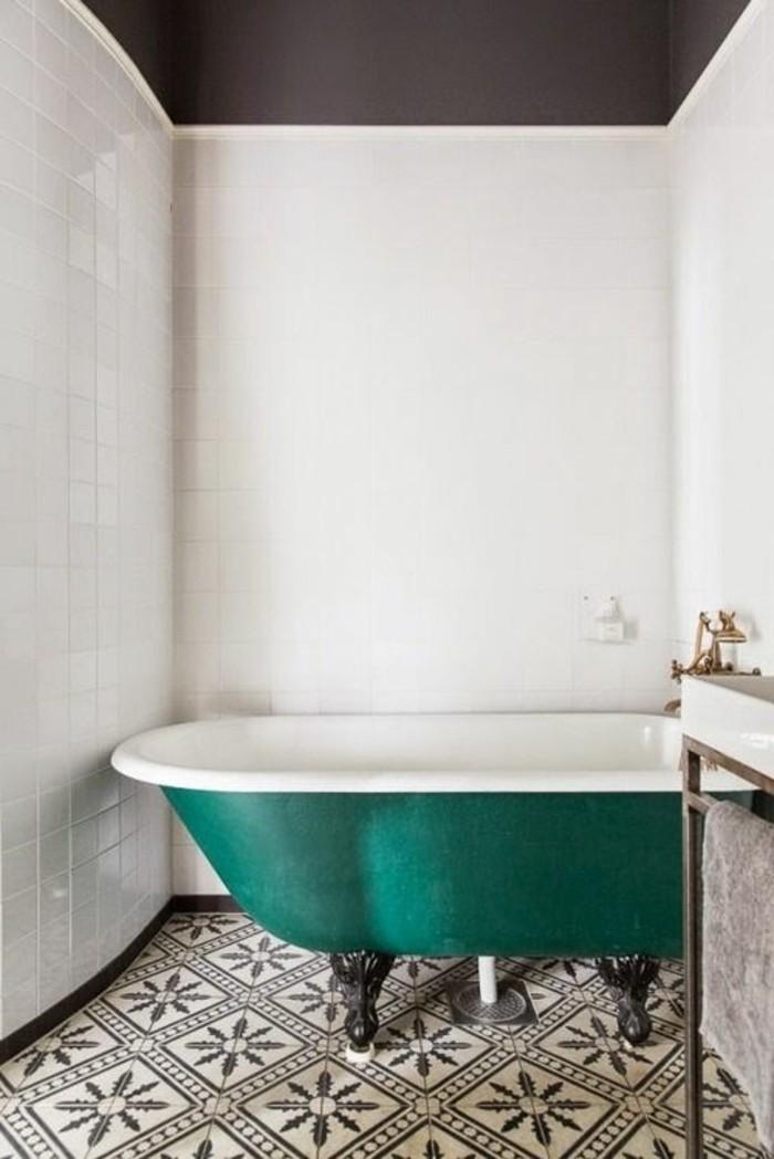carrelage-ancien-baignoire-verte-carrelage-sol-vintage