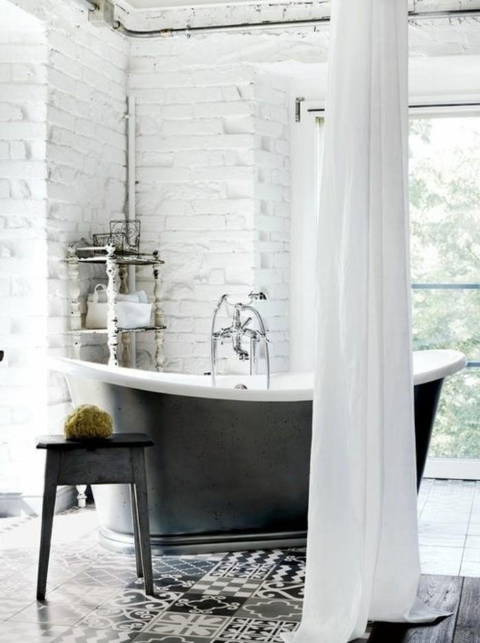 carrelage-ancien-dallage-sol-ancien-salle-de-bain-vintage