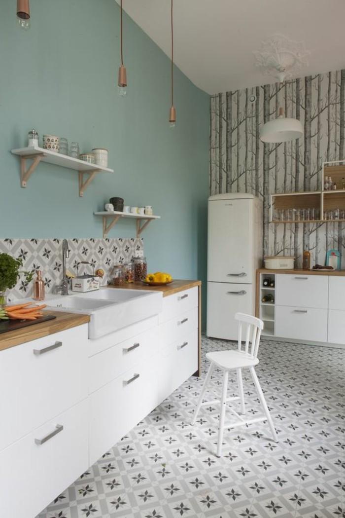 Marvelous Humidite Dans Salle De Bain #3: Carrelage-ancien-jolie-cuisine-contemporaine-murs-bleus.jpg