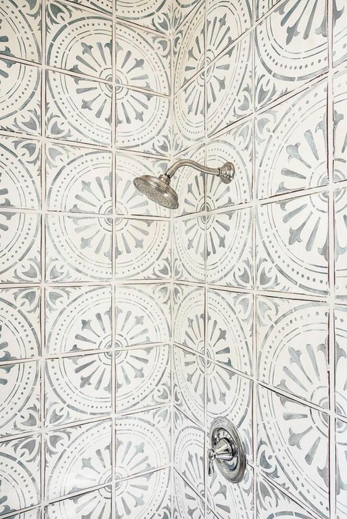 carrelage-ancien-revetement-pour-la-cabine-de-douche