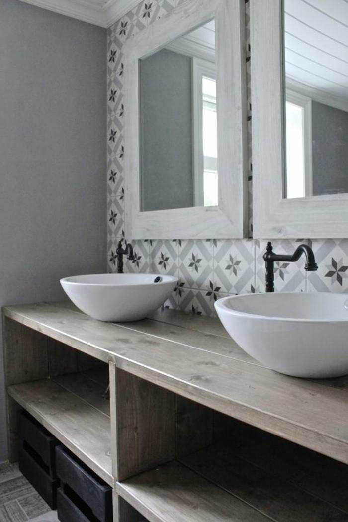 carrelage-ancien-salle-de-bain-simple-et-deco-vintage