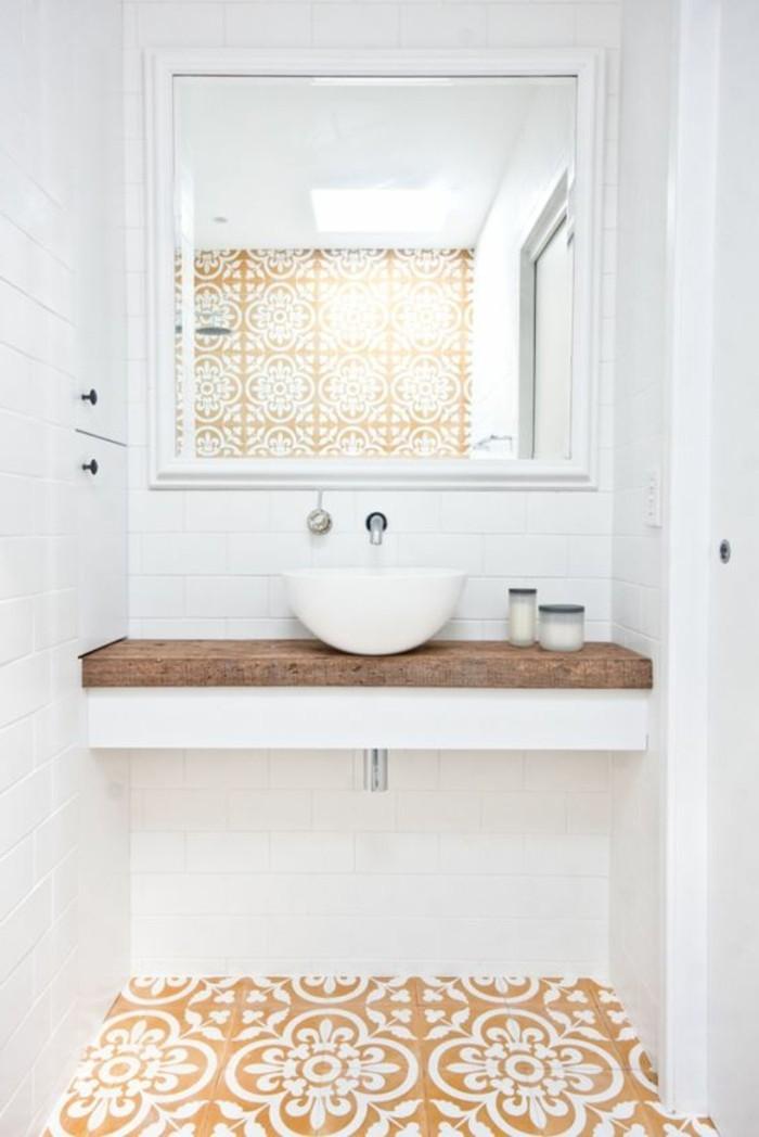 carrelage-ancien-sol-salle-de-bain-magnifique-carreaux-jaunes-e-blancs