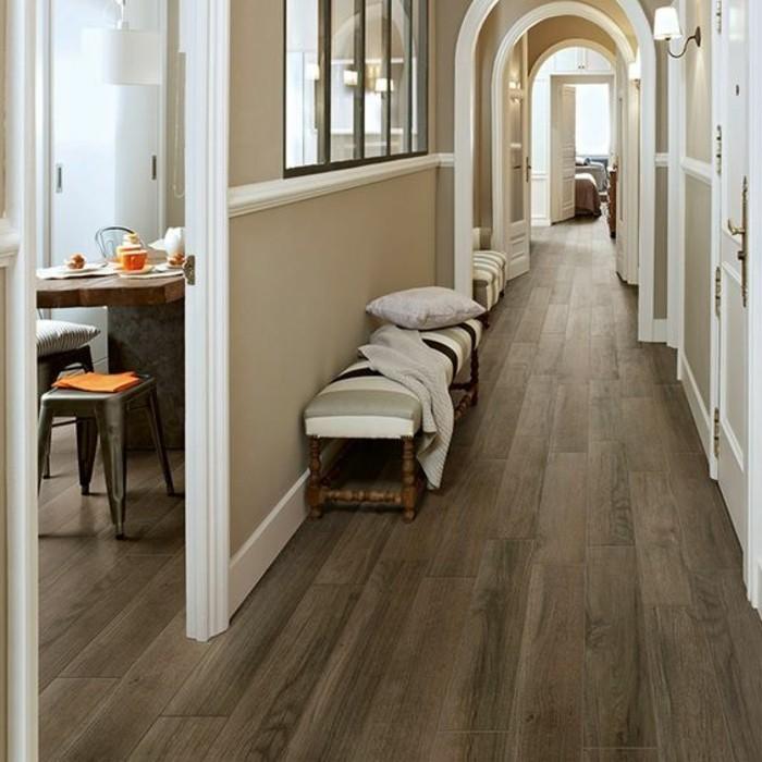 carrelage-aspect-bois-couloir-en-carrelage-imitation-parquet
