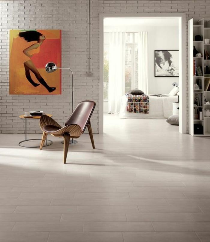 carrelage-aspect-bois-interieur-a-plan-ouvert-carreaux-effet-parquet