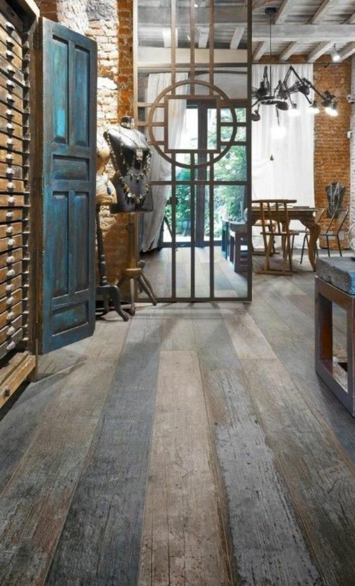 carrelage-aspect-bois-interieur-artistique-planches-en-ceramique