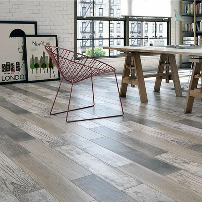 carrelage-aspect-bois-interieur-vaste-industriel-et-lumineux