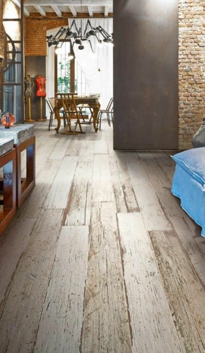 carrelage-aspect-bois-mur-en-briques-interieur-loft