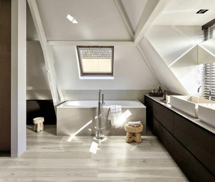 Revetement pour salle de bain maison design for Revetement mural bois salle de bain