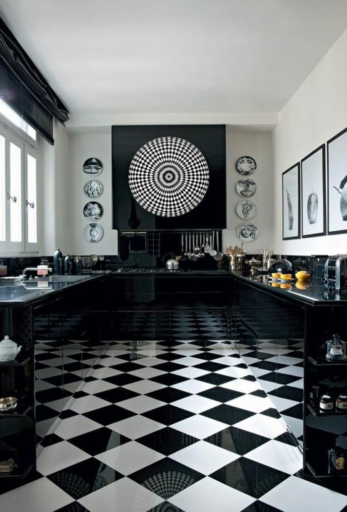 carrelage-damier-noir-et-blanc-carreaux-pour-les-espaces-publiques