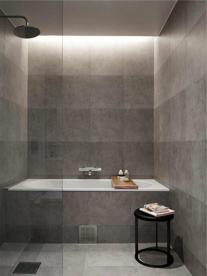 carrelage-effet-beton-baignoire-integree-rectangulaire