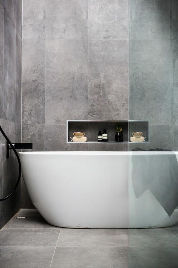 Le carrelage effet b ton en 55 photos inspirantes Beton lisse salle de bain