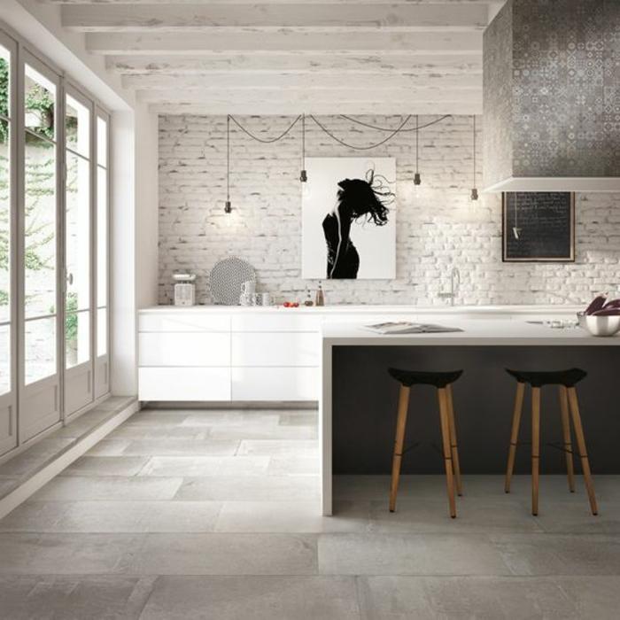 carrelage-effet-beton-cuisine-style-industriel-ampoules-suspendues