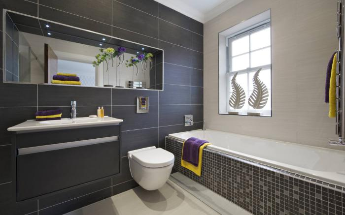 carrelage-gris-lavabo-intégré-baignoire-mosaique