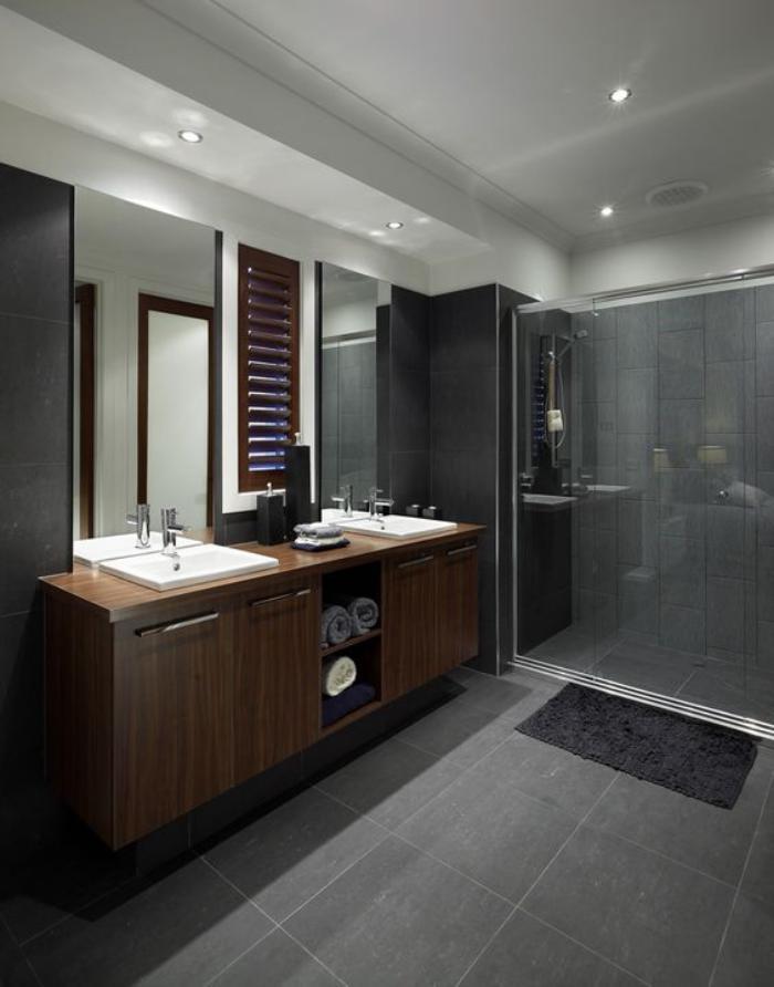 carrelage-gris-fonce-deux-grands-miroirs-et-meuble-en-bois