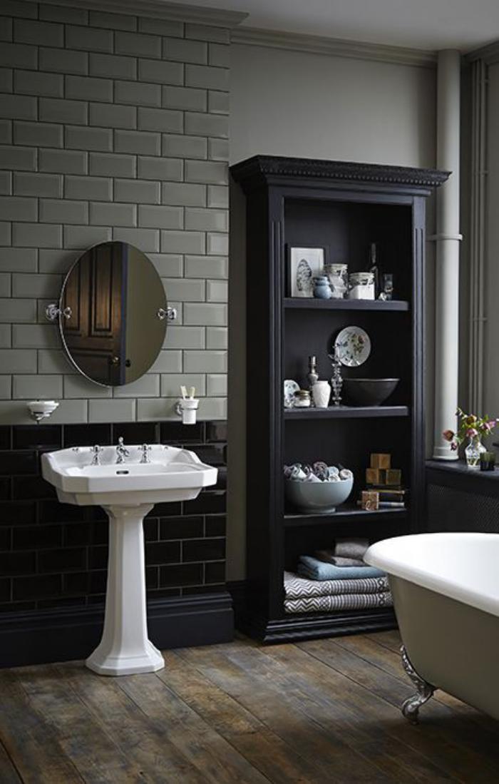 carrelage-gris-metro-lavabo-retro-et-baignoire-vintage