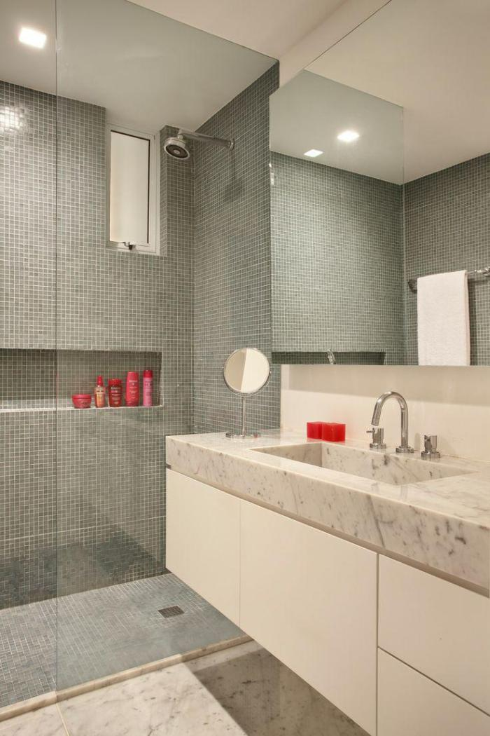 carrelage-gris-salle-de-bain-super-deco-carrelage-mosaique-gris