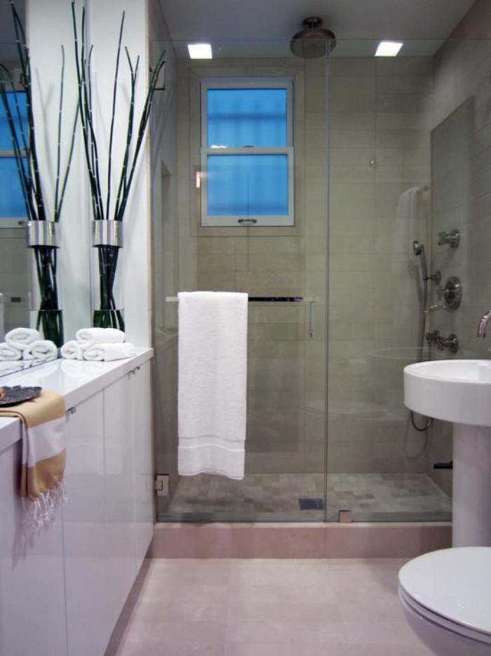 carrelage-gris-vasqure-colonne-originale-salle-de-bain-commode
