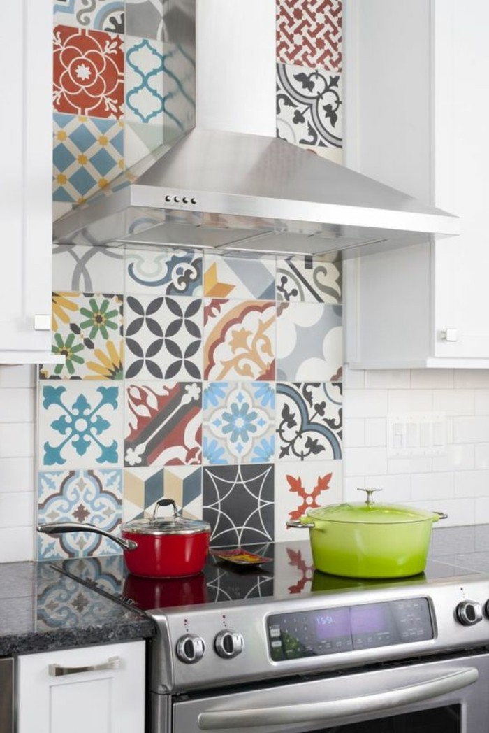 carrelage-patchwork-cuisiniere-contemporaine