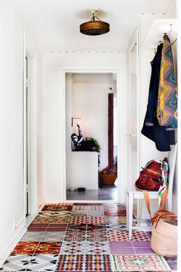 carrelage-patchwork-hall-dentree-contemporain-en-blanc
